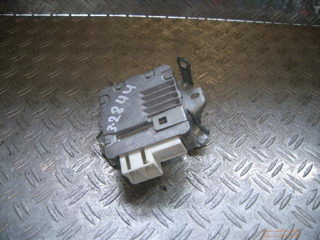 Steuergerät Servolenkung TOYOTA Yaris (XP9) 1.0 VVT-i 51 kW 69 PS (08.2005-> ) 6900001067