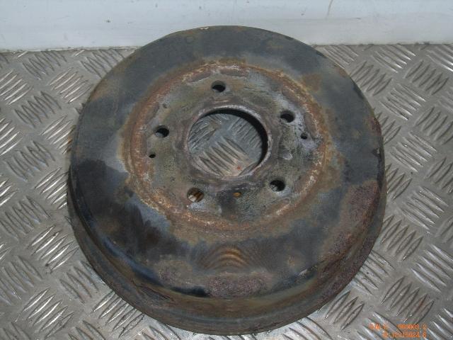 Bremstrommel links hinten NISSAN Serena (C23) 1.6 71 kW 97 PS (02.1993-09.2001)
