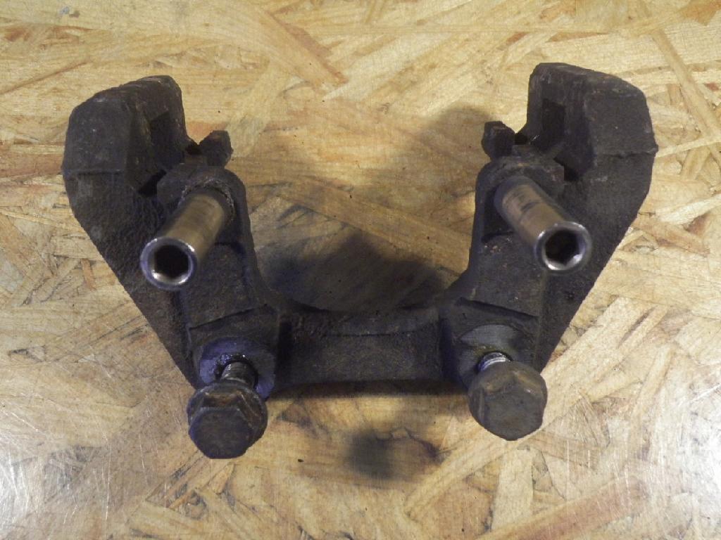 Bremssattelträger rechts hinten BMW X3 (E83) 2.0d 110 kW 150 PS (10.2004-> )