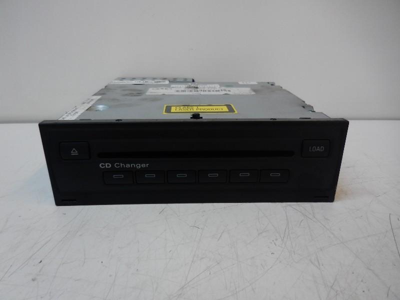 A25XR03 CD-Wechsler AUDI A6 (4F, C6) 4E0035110A'PANASONC