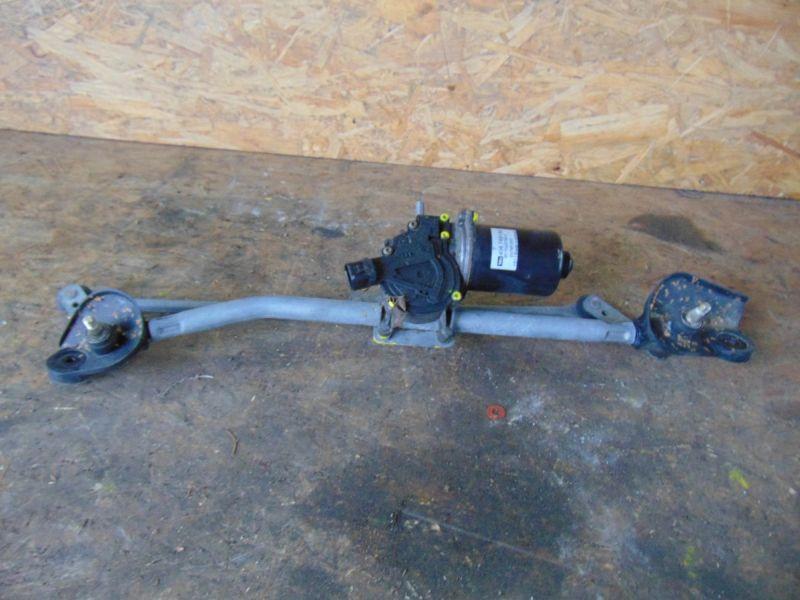 Wischermotor vorne mit Wischergestänge TOYOTA COROLLA (ZZE12_, NDE12_, ZDE12_) 2.0 D-4 81 KW 8511002100A