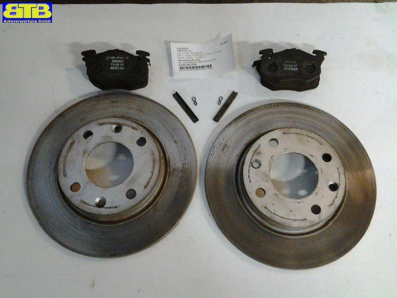 Bremsbelag SB vorne inkl. Bremsscheiben (Bremsensatz VA) PEUGEOT 106 II (1) 1.1I 44 KW 2090603