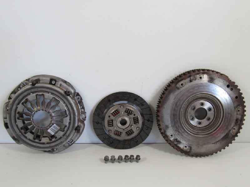Kupplung mit Schwungscheibe (1,2(1149ccm) 55kW B/CR0J/R/2/1L/1D D4F740 D4F740)