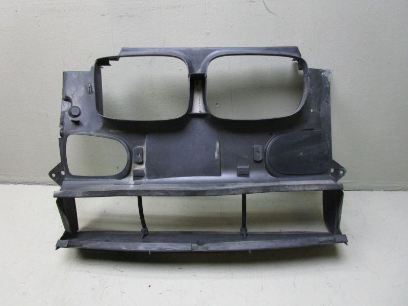 Frontblech Plastik Luftführung Frontmittelteil BMW 5 (E39) 525D 120 KW 8159959 Bild 1