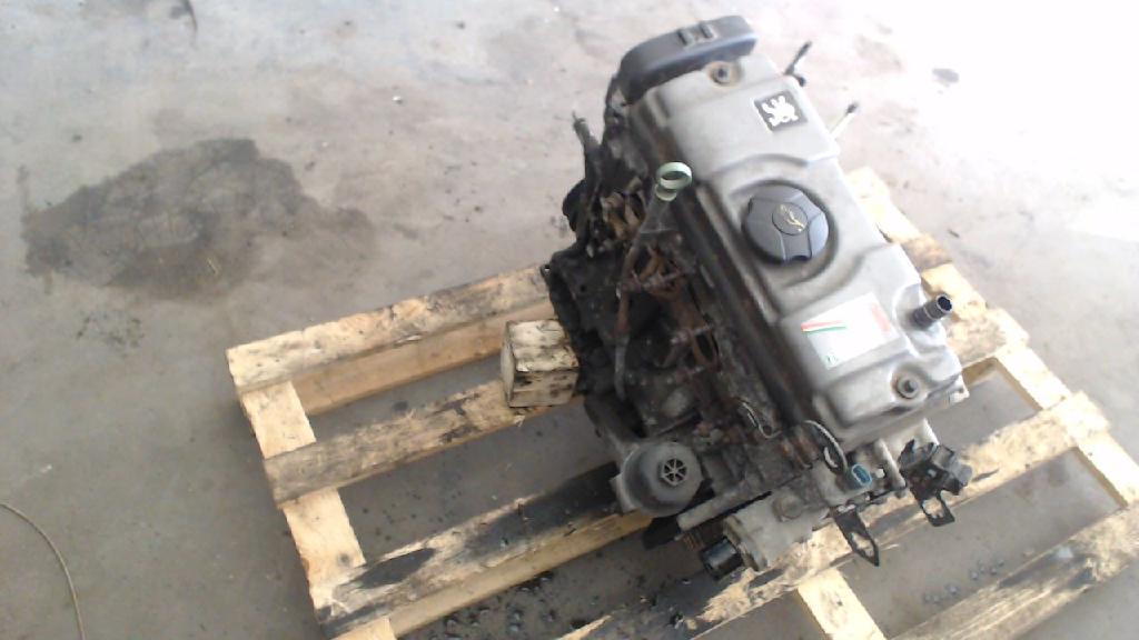 Motor Ohne Anbauteile Peugeot 206 Bj 2001  03.2001>05.2002