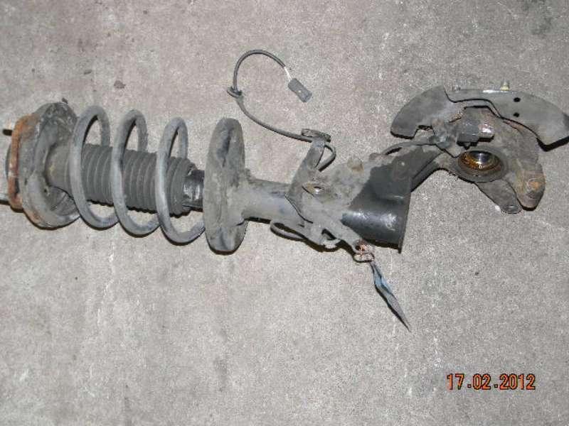 Achsschenkel v.r. 2,0TD Mazda Premacy (Typ:CP) Exclusive