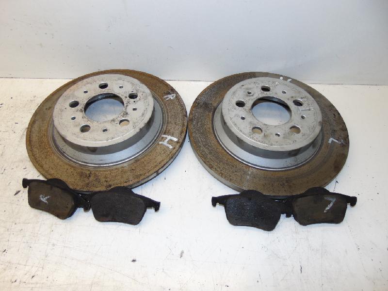 Bremsscheiben+Beläge hinten 2.4D 120kw 00-04 Volvo V 70 /XC70 Kombi (Typ:S/Z) Summum