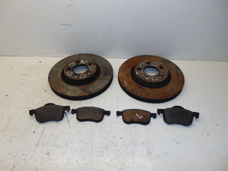 Bremsscheiben + Beläge vorne 2.4D 120kw 00-04 Volvo V 70 /XC70 Kombi (Typ:S/Z) Summum