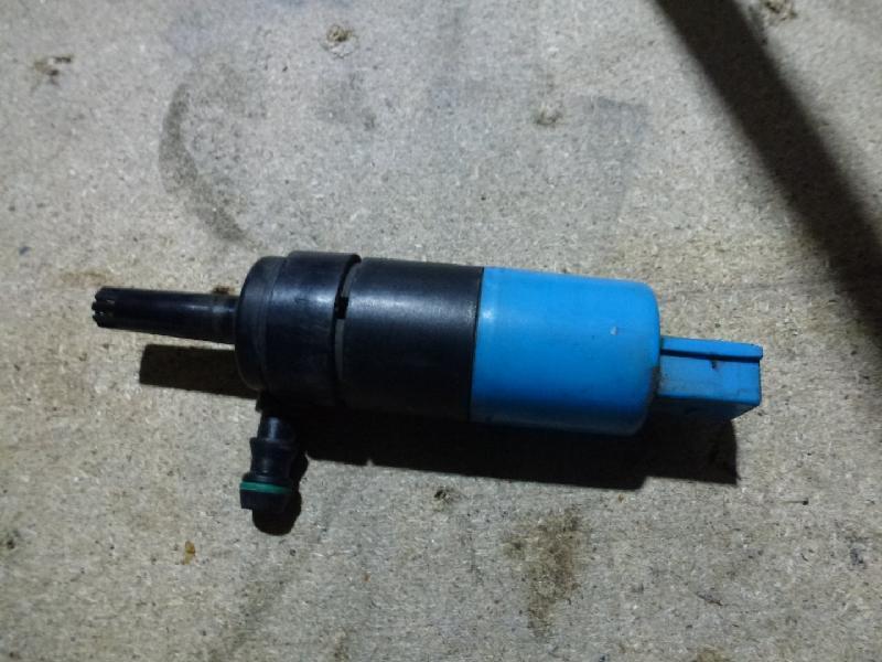 Elektrische Pumpe Schweinweferreinigung VW Passat B6 Lim./Variant (Typ:3C) Passat
