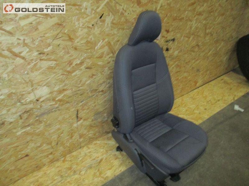 Sitz vorne rechts Beifahrerseite Stoff VOLVO V50 (MW) 2.0 D 100 KW Bild 2