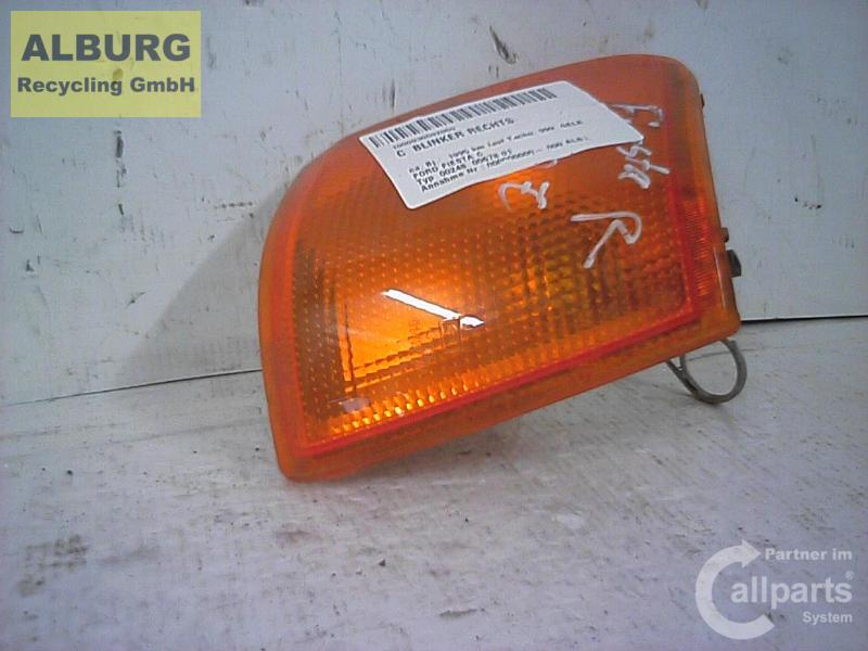 Blinker vorne rechts orange Ford Fiesta Gfj  961466
