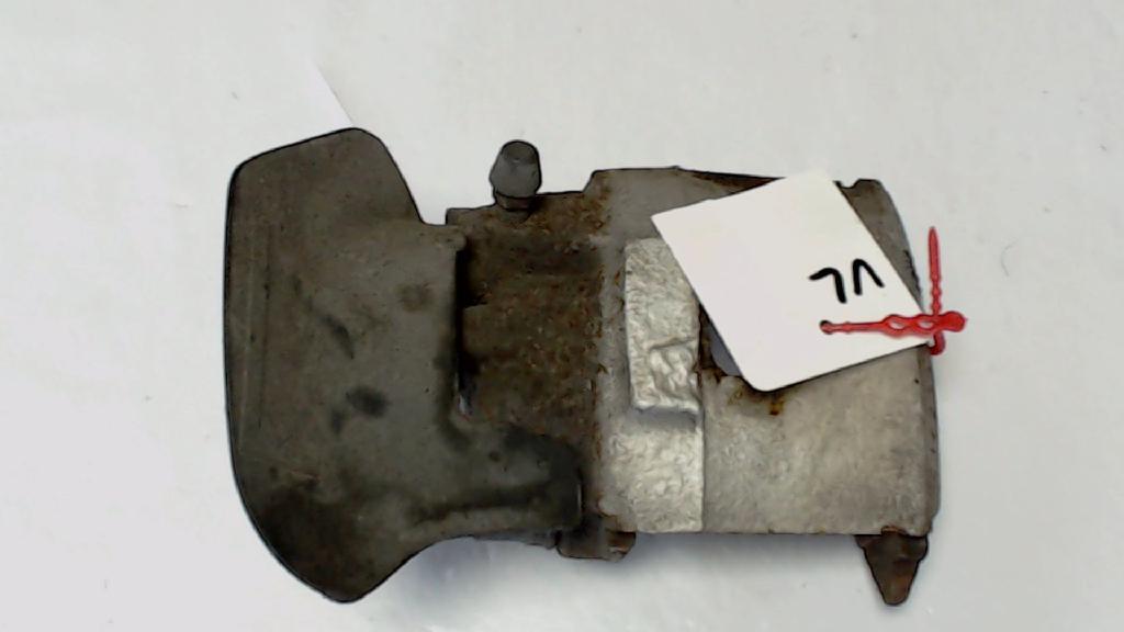 Bremssattel  Links VW Polo Bj 2001 216213