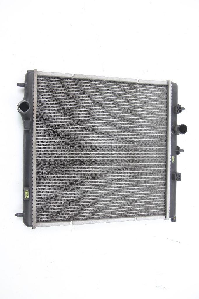 Wasserkühler Peugeot 207 SW 884260000 385x380 DENSO 1330W9 1,4 70 KW 95 PS Benzi