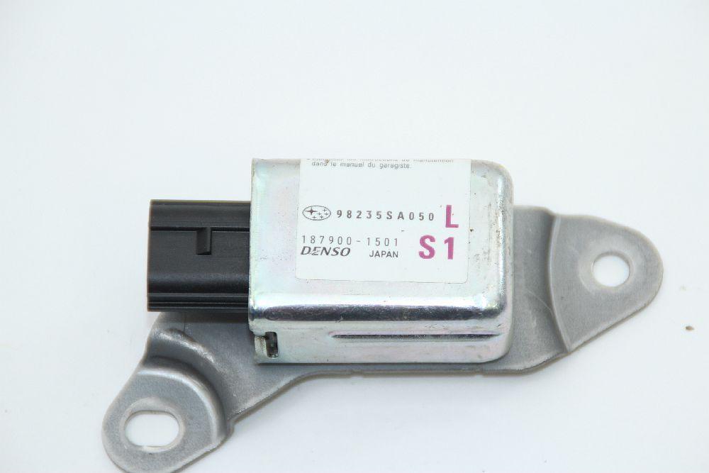 Airbagsensor Subaru FORESTER 2 SG 98235SA050 DENSO 1879001501 vorn links 06/2007