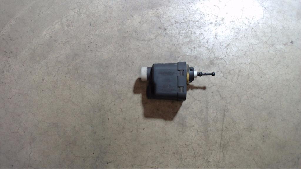 Stellmotor Leuchtweitenregulierung Scheinwerfer Links  Opel Corsa