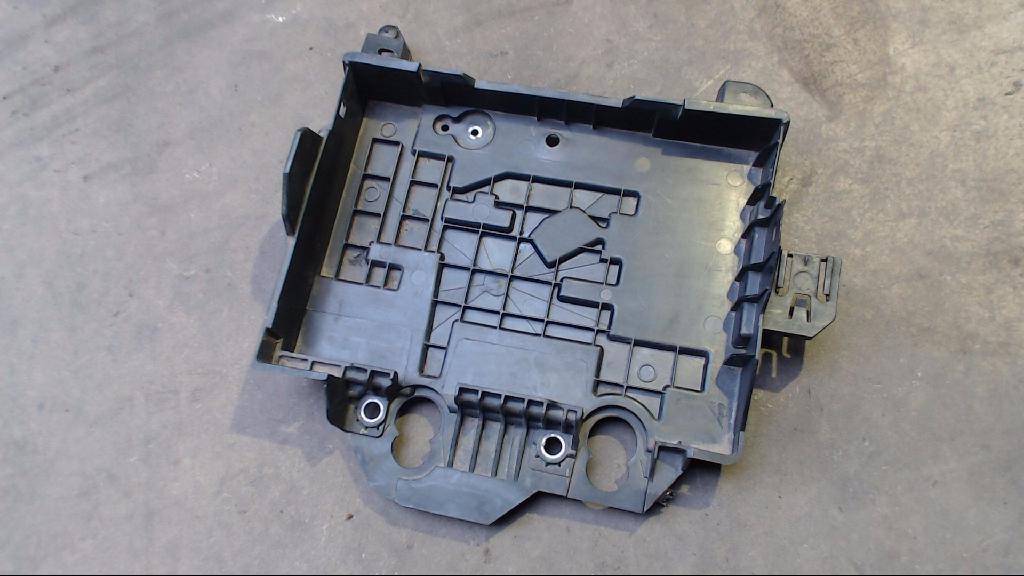 Batteriekasten Halter Kasten Batterie 8200314273 Renault Clio