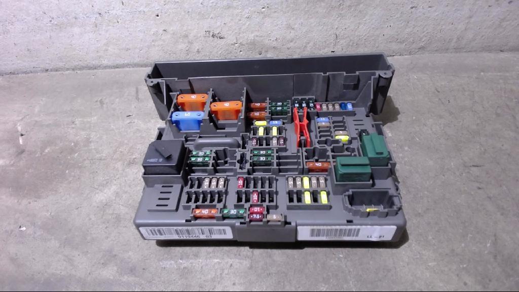 Sicherungskasten Vorne Rechts Unten 10688710 BMW 3ER