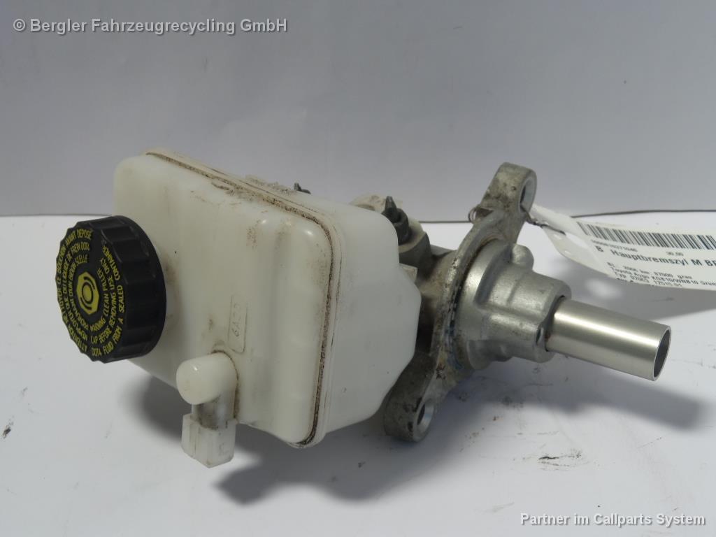 Hauptbremszyl mit Behälter - Originalnr. 4702509010 - Toyota Aygo Kgb10/Wnb10 BJ: 2006