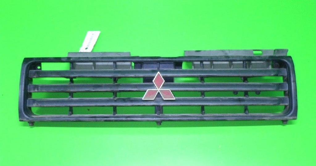 Kühlergrill MITSUBISHI PAJERO II (V3_W, V2_W, V4_W) 2.5 TD 4WD (V24C, V24W)