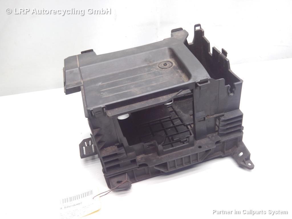 Renault Modus Bj.2005 original Batteriekasten Batteriekonsole leicht beschädigt