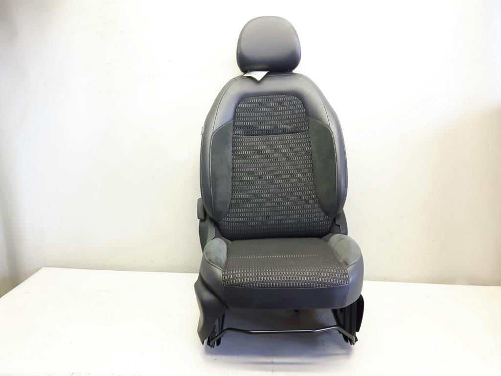 Citroen C3 Picasso BJ2009 original Sitz vorn rechts Beifahrersitz Stoff schwarz mit Muster