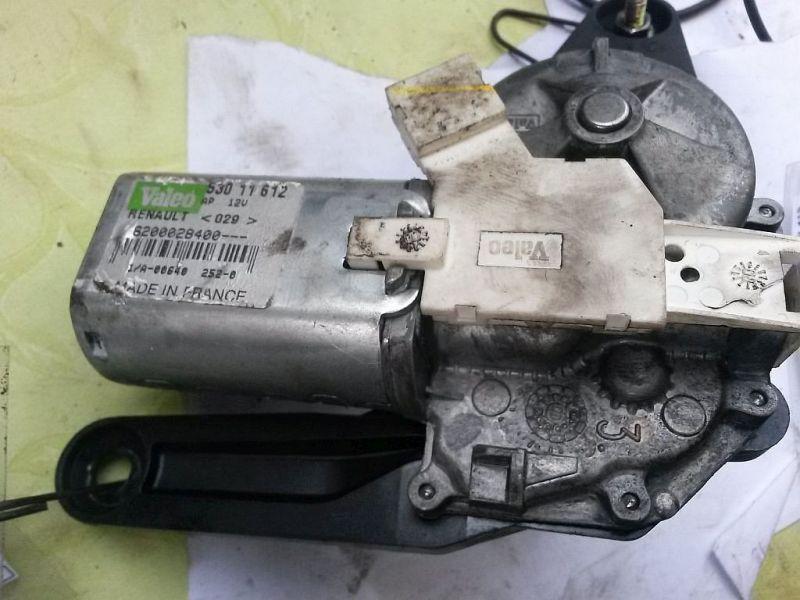 Wischermotor hinten  RENAULT CLIO II (BB0/1/2_, CB0/1/2_) 1.9 DTI 59 KW 8200028400
