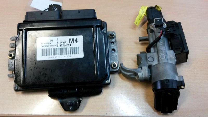 Steuergerät Motor  CHEVROLET NUBIRA STUFENHECK 1.6 80 KW 96394699