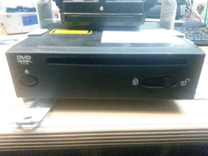 DVD-Player  VOLVO V70 III D5 BW KOMBI 136 KW 31266071AA