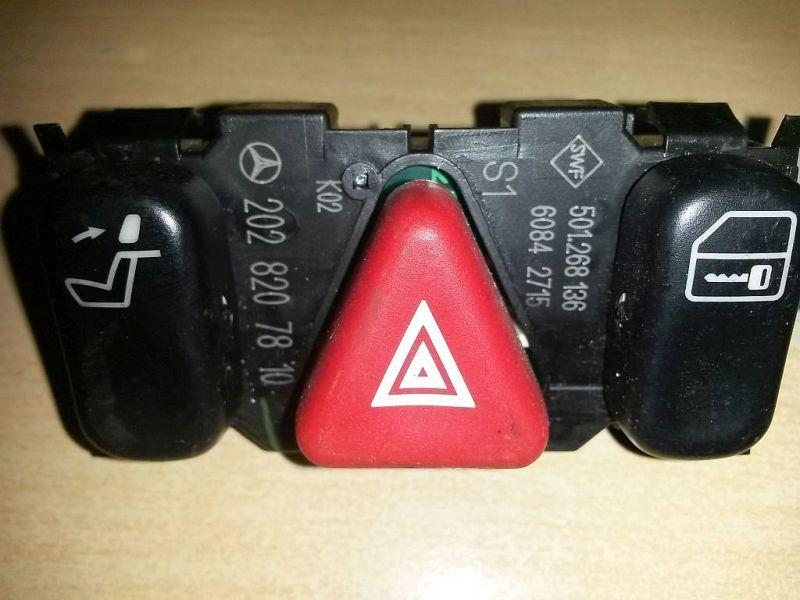 Schalter Warnblinker  MERCEDES-BENZ C-KLASSE (W202) C 180 90 KW 2028207810