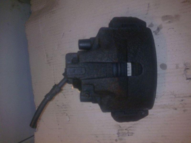Bremssattel rechts vorne  FORD MONDEO II (BAP) 1.8 TD CHAMPIO 66 KW