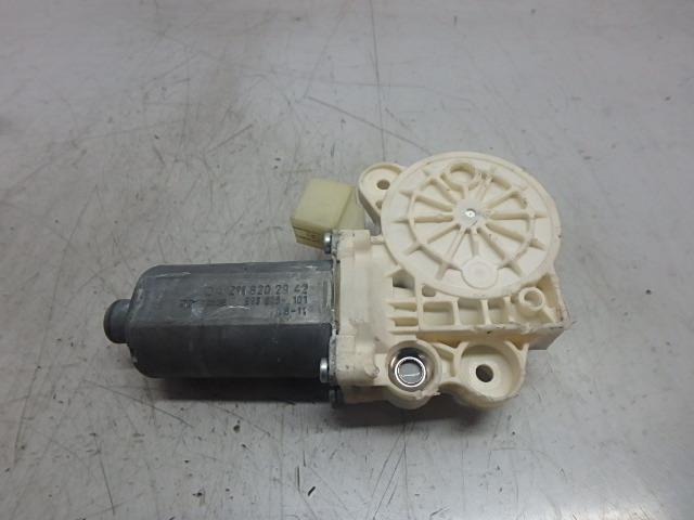 Fensterhebermotor Mercedes Benz E CGI 3,5 Benzin 272.985 A2118202942 DE240413 Bild 1