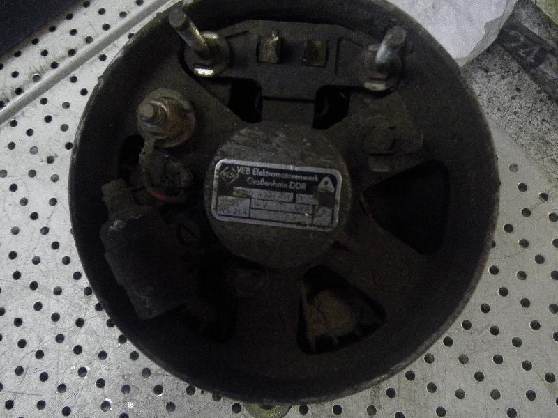 Lichtmaschine WARTBURG 353 1.3 43 kW 58 PS (09.1988-05.1991) 8042432709 Bild 2