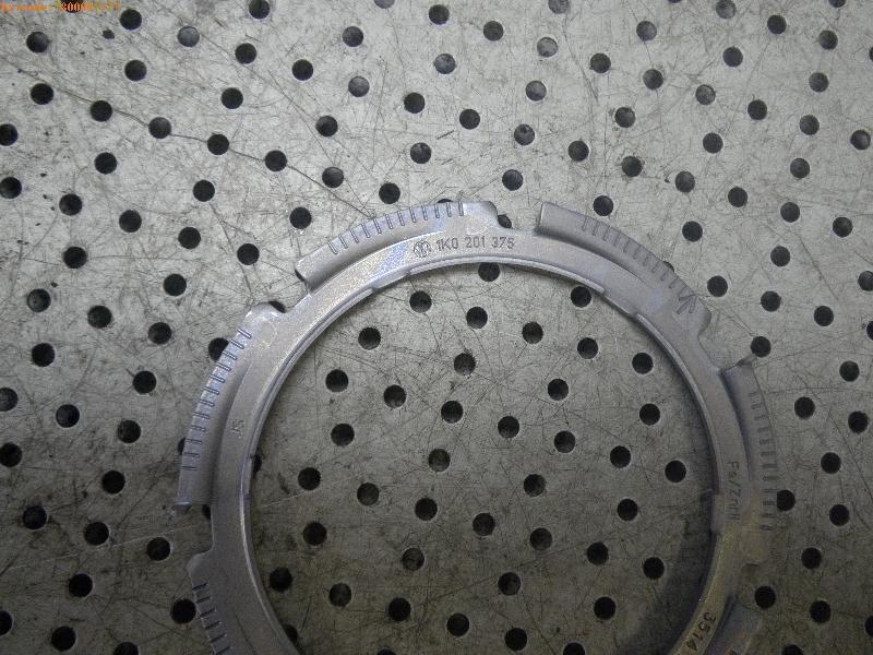 Halter für Kraftstoffpumpe AUDI A3 Sportback (8VA) 1.6 TDI quattro 81 kW 110 PS (05.2015-> ) 1K201375 Bild 3