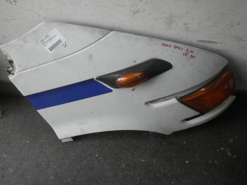 Kotflügel rechts vorne IVECO Daily III Kasten/Kombi 29 L 10 V 70 kW 95 PS (09.2002-> )