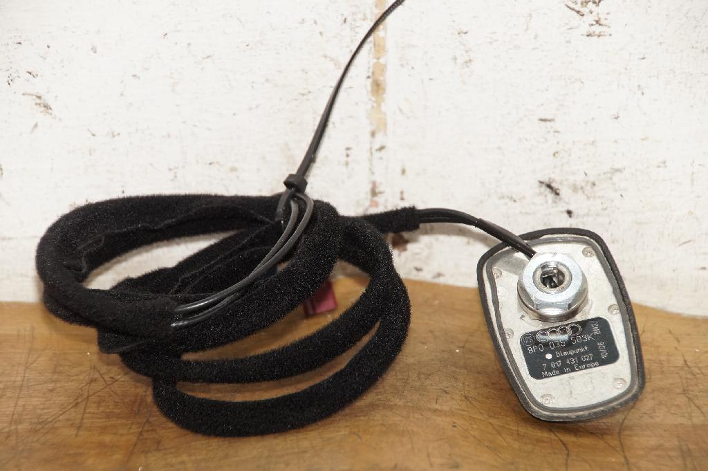8P0035503KAudi RS3 8P A3 S3 Antenne Dachantenne Haifischantenne GPS Telefon