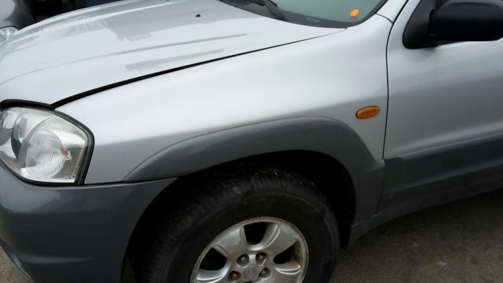 Mazda Tribute EP Bj.01 Kotflügel vorn links mit Verbreiterung silbergraumet.