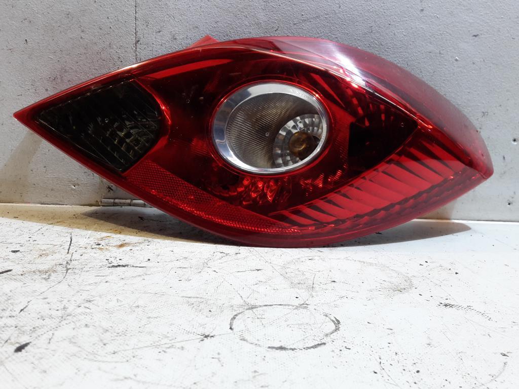 Opel Corsa (D) BJ 2007 Rücklicht rechts Rückleuchte Heckleuchte 3-türer 13186351