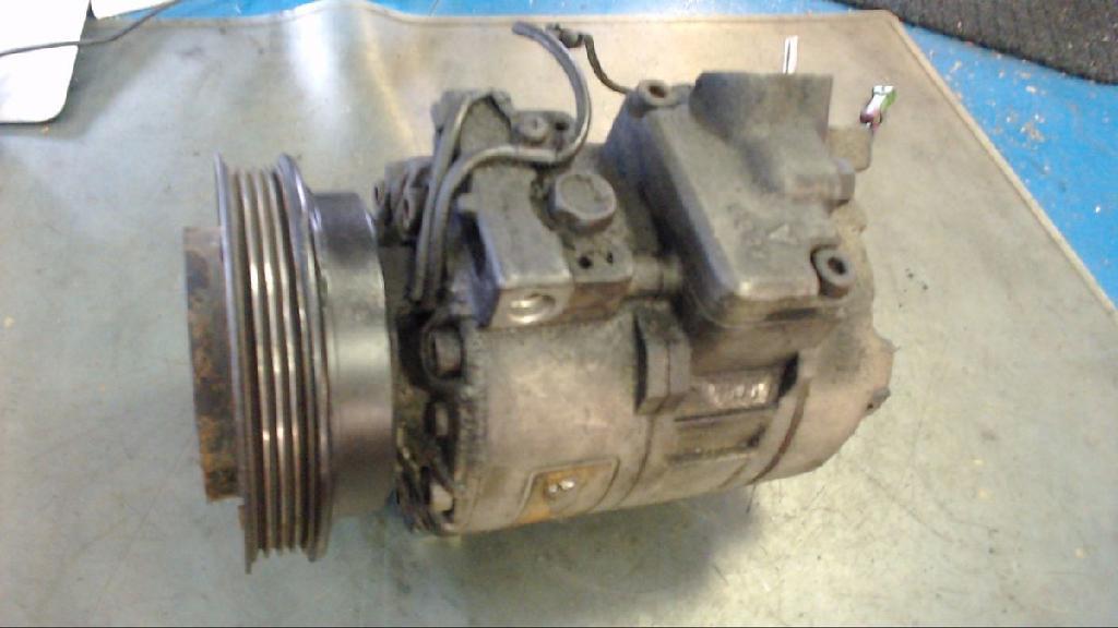 Kompressor Klimaanlage VW Passat 3B (mod. 2001) 8D0260805B