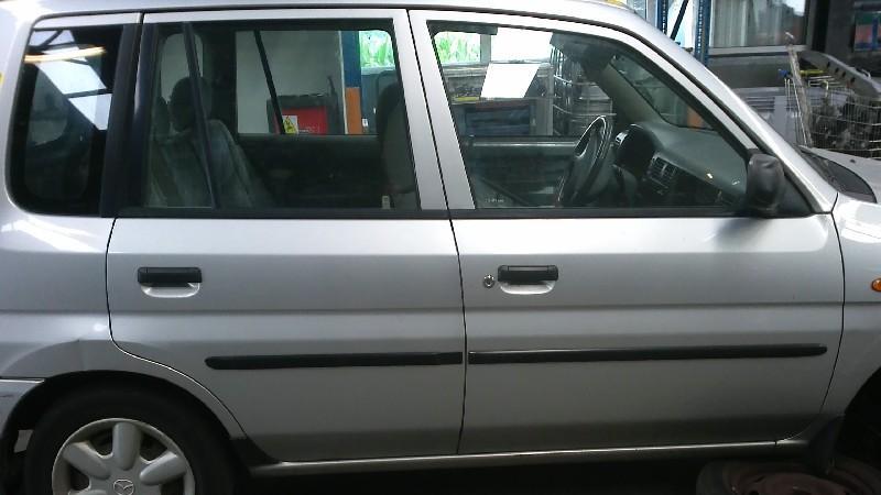 Tür rechts vorne MAZDA Demio (DW) 1.3 46 kW 63 PS (08.1998-> )