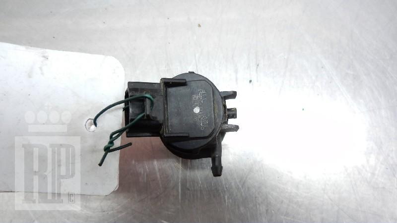 Scheibenwaschanlagenpumpe MAZDA 3 (BK) 1.6 MZR 77 kW 105 PS (10.2003-06.2009)