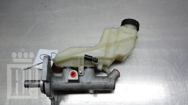 Hauptbremszylinder TOYOTA Corolla (E12) 1.4 VVT-i 71 kW 97 PS (01.2002-12.2006)