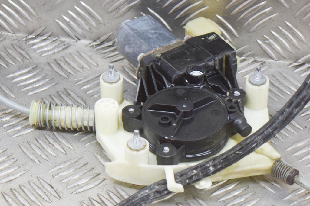Fensterheber rechts hinten MASERATI Quattroporte VI 3.0 D 202 kW 275 PS (09.2013-> ) 0130822783 Bild 5