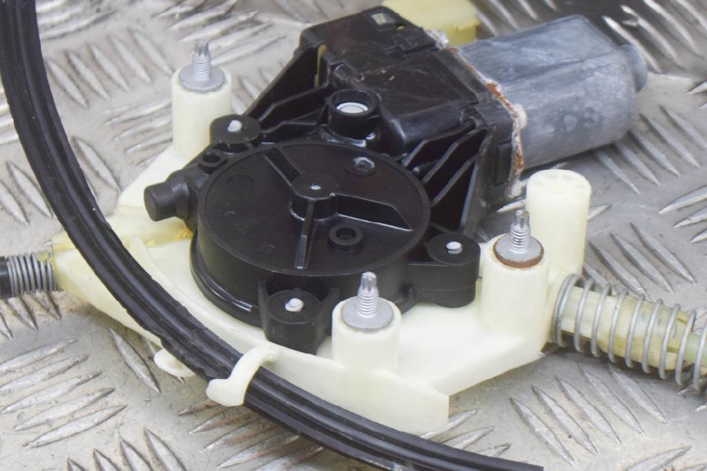 Fensterheber links MASERATI Quattroporte VI 3.0 D 202 kW 275 PS (09.2013-> ) 0130822782 Bild 3